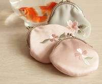 [mail] mouth gold material package DIY handmade wallet, cherry blossom embroidery bag, DIY wallet, send friends