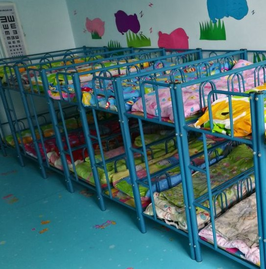 Safety folding wooden double bed bed children preschool children six single game Japan broaching machine assembly