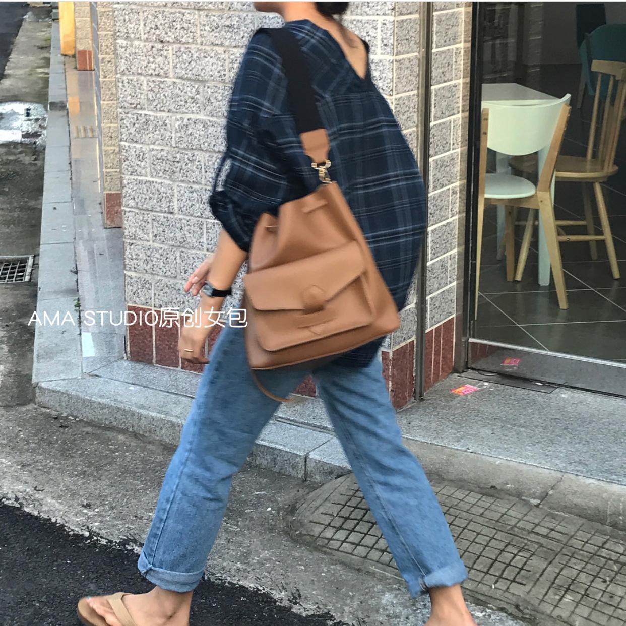 韩国东大门2017新款复古抽绳水桶包ins同款单肩包宽肩带斜挎大包