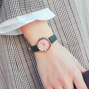新款手表女学生韩版简约潮流百搭小巧休闲少女森系防水女表小清新