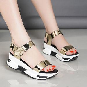 韩版女士厚底松糕学生女凉鞋2019新款坡跟防滑魔术贴休闲沙滩鞋女