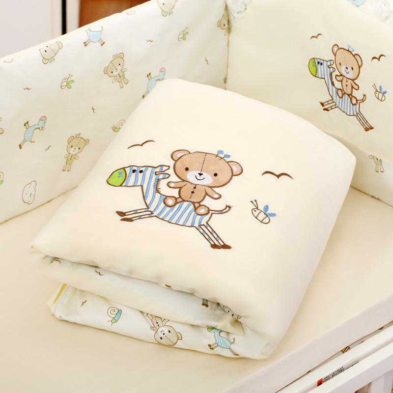 Το μωρό έχει κρεβάτι γύρω το φθινόπωρο και χειμώνα. το μωρό το κρεβάτι - σουίτα Βαμβάκι Βαμβάκι να μπορούν να πλένονται πέντε σετ