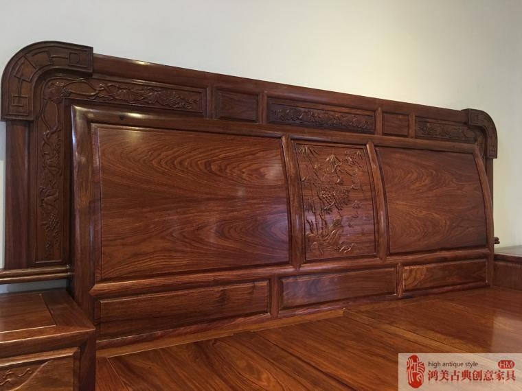 The new Chinese simple hedgehog rosewood 1.8 meters double bed moon Zhongshan rosewood pear song Tan Chung furniture