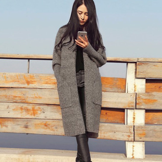 Autumn and winter new fashion Korean women's thin sweater sweater jacket women's long paragraph loose thickening sweater tide