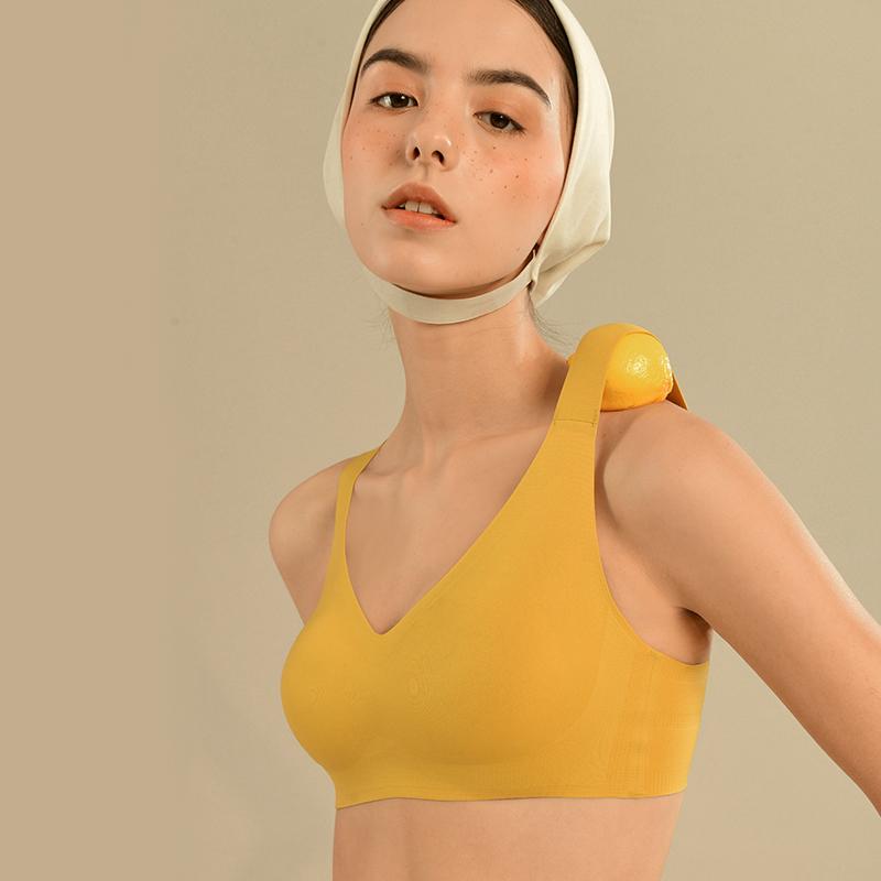 内衣女薄款大胸显小文胸运动防震聚拢束胸夏季无痕无钢圈深V胸罩