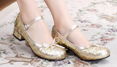 taobao agent Lolita Lolita round head banquet cute and sweet sequined bow low-heeled tea party women's shoes