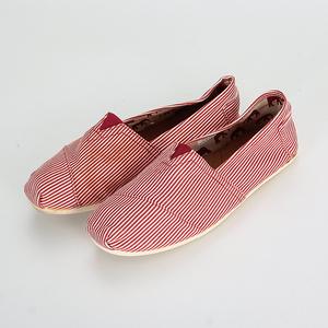 W loạt quầy mới đích thực thời trang màu đỏ hoang dã một bàn đạp lười biếng giày vải ngư dân giày nữ 20006