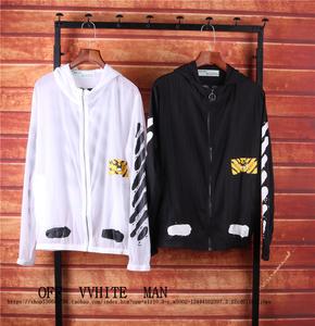 TẮT OWF TRẮNG OW Triều thương hiệu mô hình con hổ zebra dòng giật gân phun mực mặt trời quần áo bảo hộ trùm đầu áo gió áo khoác nam giới và phụ nữ