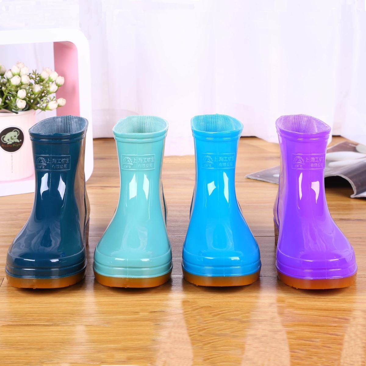 Mưa khởi động mưa khởi động ủng cao su giày không thấm nước của phụ nữ nhà bếp rửa xe ống ngắn phẳng cao su giày bao bọc ngoài người lớn Hàn Quốc không trượt mùa hè