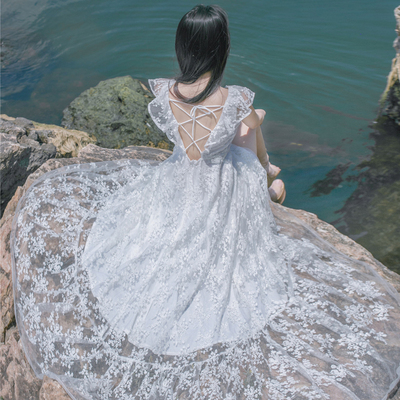 一字领露肩蕾丝刺绣V领露背连衣裙复古文艺大摆女神沙滩度假长裙