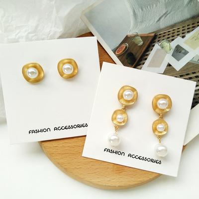 创意唯美珍珠耳夹女日韩国日常穿搭个性几何形状金属质地短款耳钉