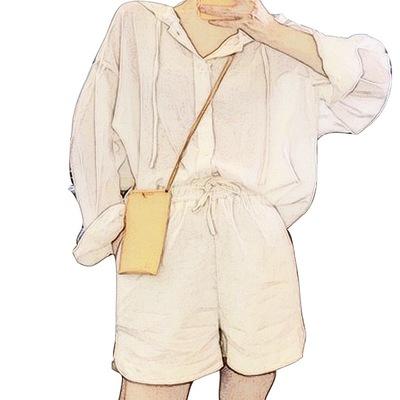 本期 !敲时髦小特别 今年 爱的防晒连帽白衬衫