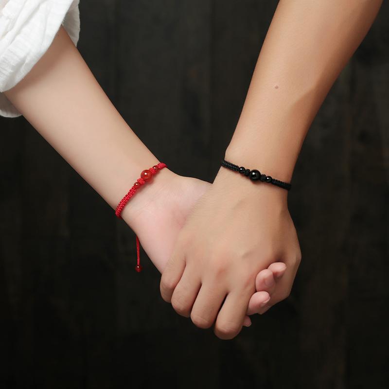 天然玛瑙红绳手链女士情侣款学生男日韩版转运珠编织饰品礼物手串