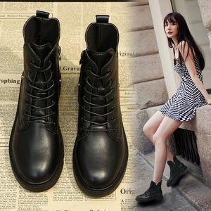 13马丁靴女英伦风秋冬百搭女鞋2020新款秋款靴子网红冬季加绒短靴