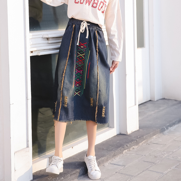 Retro Fashion Embroidery Elastic Waist Denim Skirt