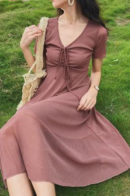 Mùa hè mới tính khí retro sâu V-Cổ ren ngắn tay đầm nữ cao eo Slim dài tóc Một từ váy Sản phẩm HOT