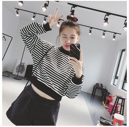 Áo len áo len nữ mùa thu và mùa đông sọc rộng ngắn đèn lồng tay áo sinh viên 2018 mùa xuân mới Hàn Quốc phiên bản của hoang dã áo sơ mi mỏng