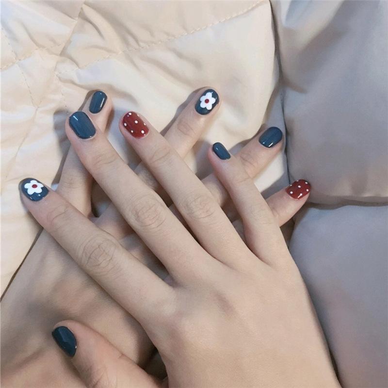 泫雅同款红蓝白花 指甲贴片美甲成品拆卸抖音款短款方圆可摘可戴