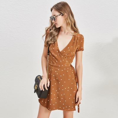 Aussie Z Caramel màu sóng điểm 19 Mami lụa đôi váy bọc váy INS Bo gió V cổ áo đầm ren