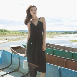 ins超火的连衣裙公子2018夏季新款韩版v领修身显瘦中长chic吊带裙