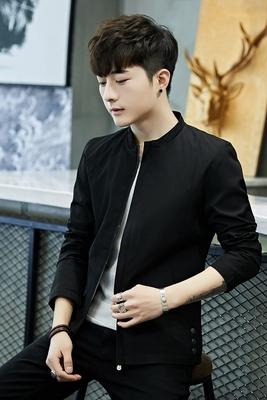2018 áo khoác nam mới của áo khoác Slim Hàn Quốc thanh niên người đàn ông giản dị của quần áo scorpion đồng phục bóng chày kinh doanh đẹp trai hoang dã Đồng phục bóng chày