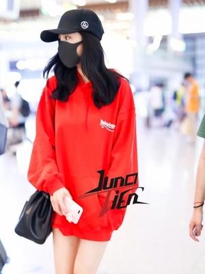 孕妇卫衣新款韩国时尚孕妇装秋装上衣大码连帽孕妇外套中长款
