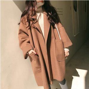 2020新款韩版流行大衣女学生矮个子过膝斗篷赫本风毛呢外套薄款