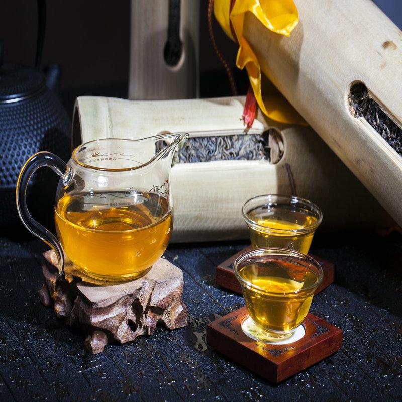 2010年易武生茶竹筒茶普洱茶生茶500克手工制作工艺茶