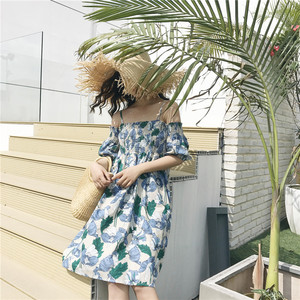6098 实拍 夏季新款chic度假风显瘦挂脖露肩背后小心机碎花连衣裙