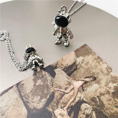 日韩网红长款项链嘻哈个性小兔子宇航员太空人吊坠男女情侣潮饰品