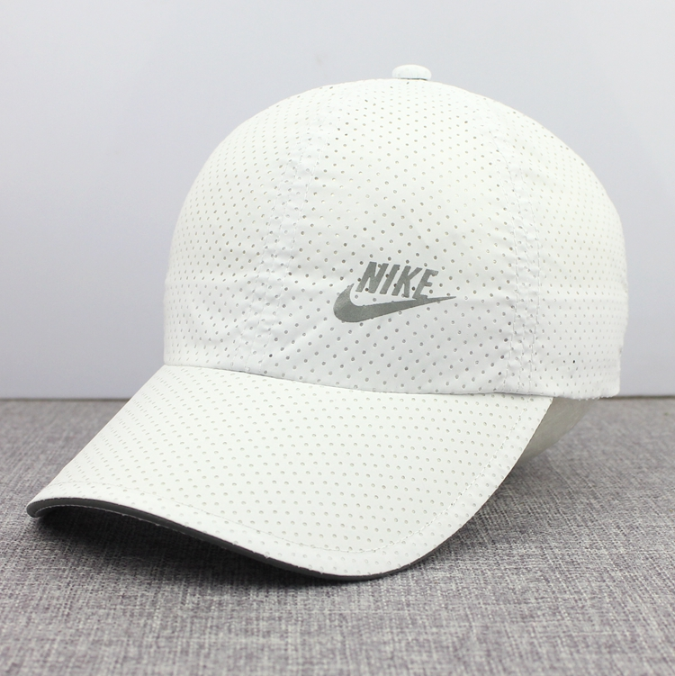 f2b90170 Spring and summer baseball caps caps men and women sports caps breathable  mesh white ultra-