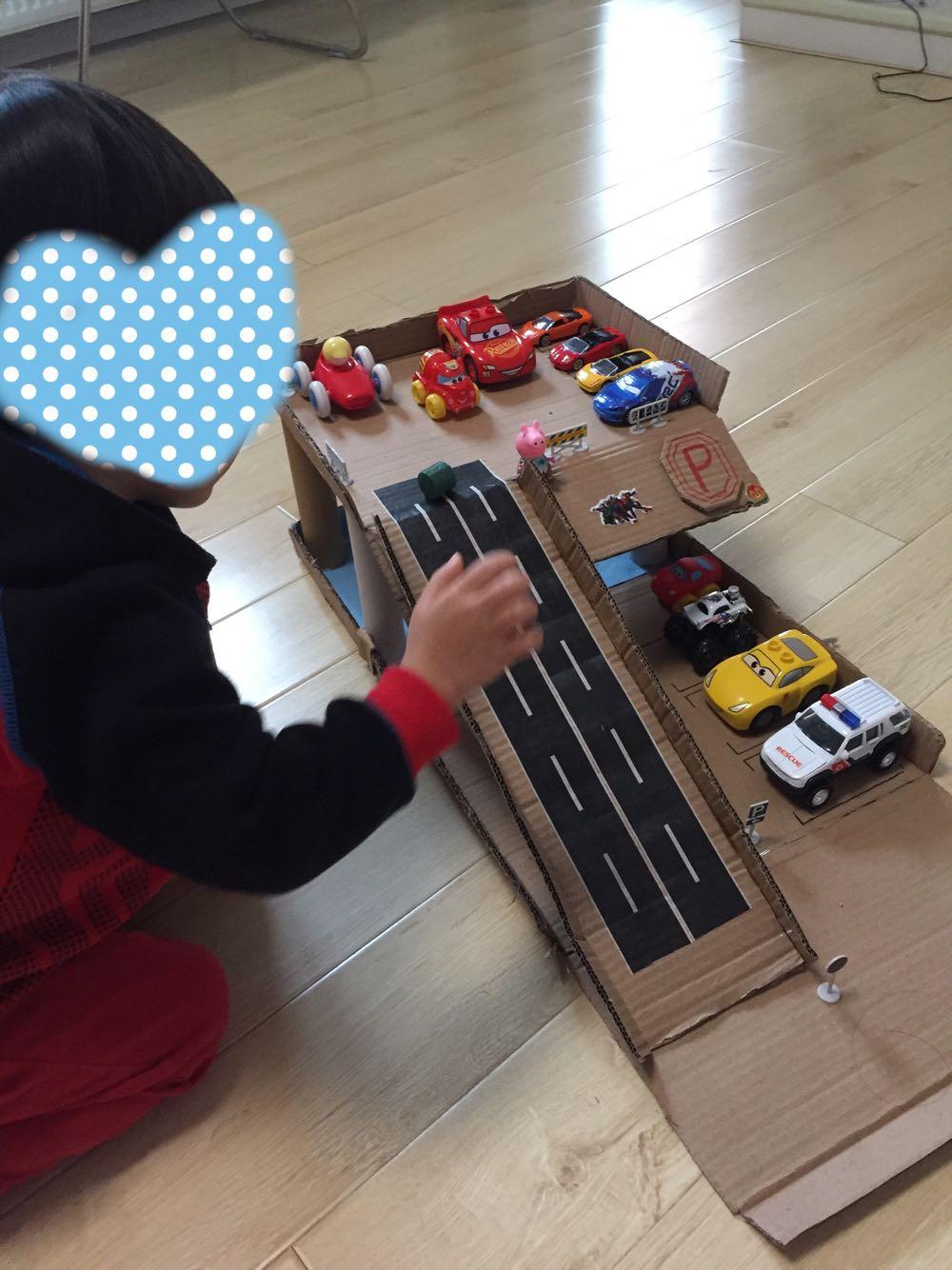 3-8 tuổi với theo dõi để chơi lối ra dấu hiệu giao thông mô phỏng báo hiệu đường bộ đá và đồ chơi khác