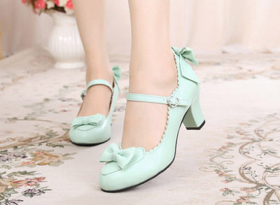 taobao agent Lolita original daily round head student cute heart bow high thick heel tea party simple handmade small leather shoes