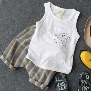 2018 mùa hè cậu bé mới vest phù hợp với tay áo + quần short hai mảnh gấu gấu 0-6 tuổi bé quần áo