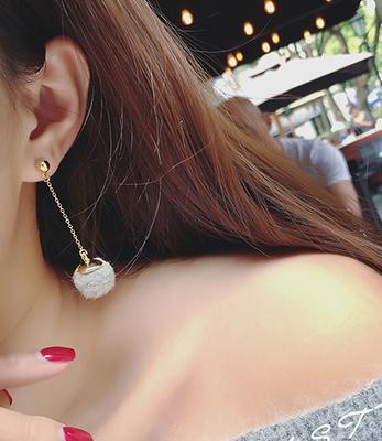 【满19】饰品 长款毛球球无耳洞耳夹 耳钉耳环 不对称耳钉