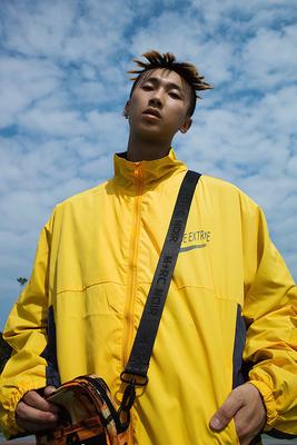Whoa ha! 18 tùy chỉnh Châu Âu và Mỹ đơn giản màu lỏng phù hợp với cổ áo hip hop áo gió mỏng áo khoác nam triều