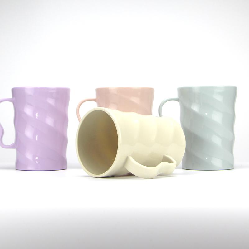 新款北欧风创意刷牙杯子带手柄洗漱杯塑料牙缸加厚水杯漱口杯套装