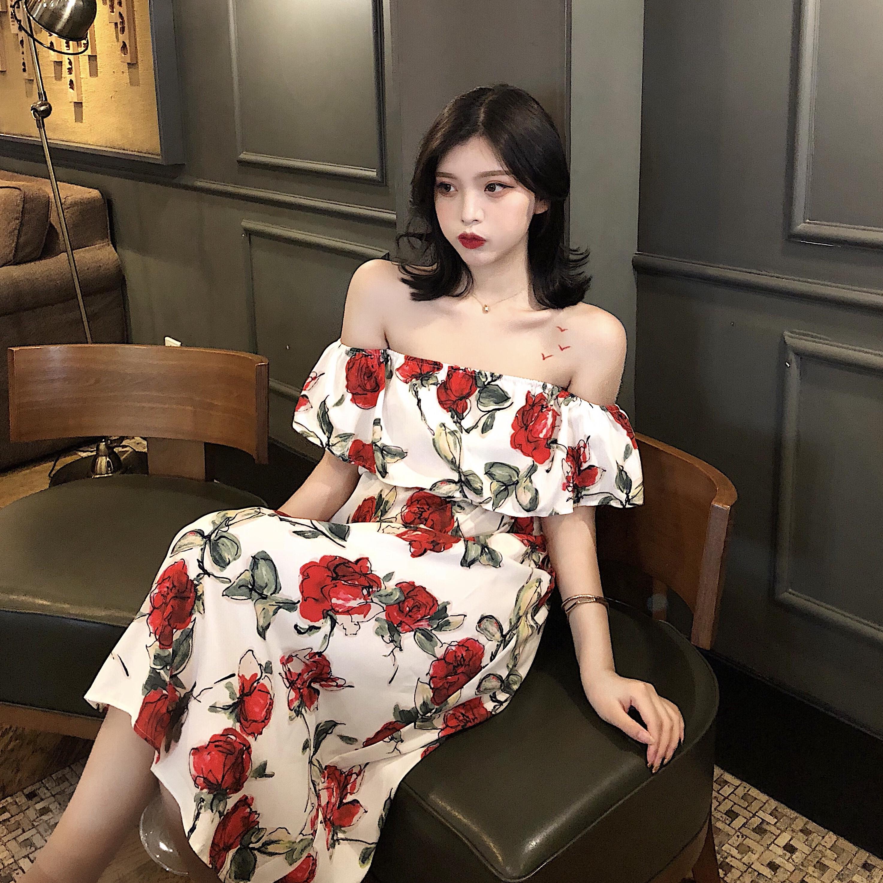 Dora Chaoren Hall Hồng Kông hương vị retro chic strapless từ cổ áo hoa váy kỳ nghỉ gió váy dài