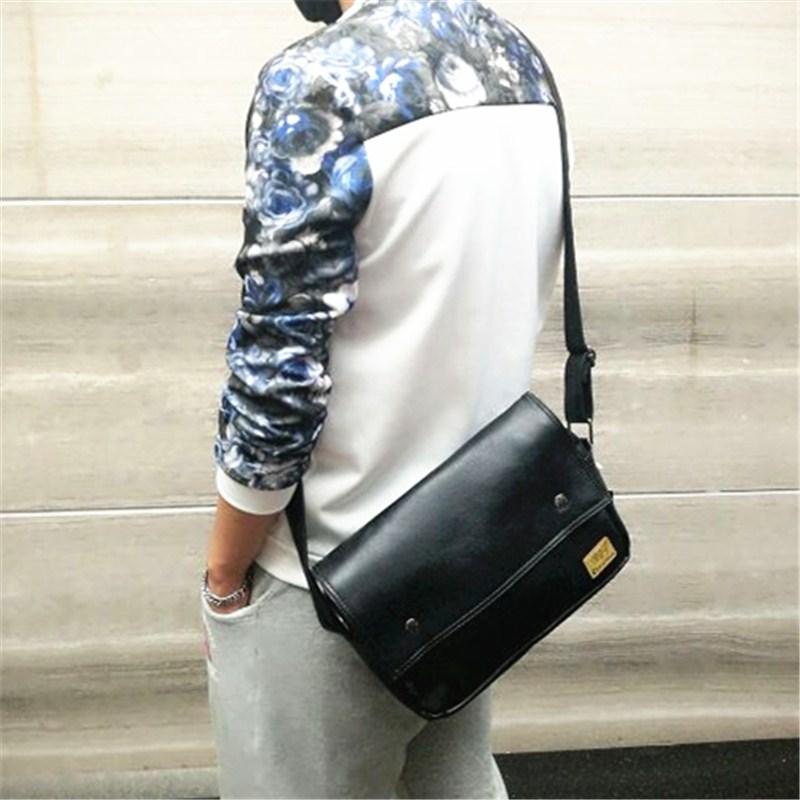 新款复古男士单肩包休闲斜挎户外背包运动包学生IPAD机车书包