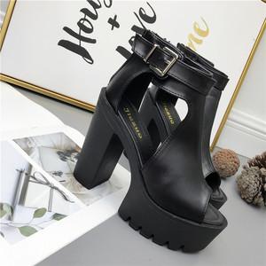2018春夏新品时尚超高跟女鞋厚底防水台粗跟镂空罗马高跟露趾凉鞋