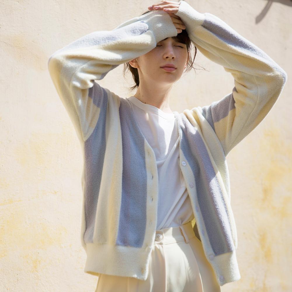 Lõi vũ trụ 2018FW mùa thu mới Pháp retro cầu vồng sọc giả nhung knit cardigan áo sơ mi nữ