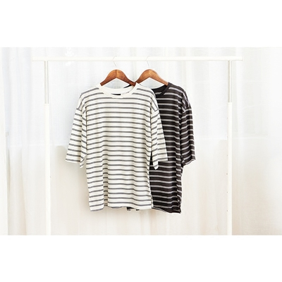 Harajuku sọc t-shirt nam Nhật Bản nữ lỏng quanh cổ Hàn Quốc phiên bản của các cặp vợ chồng cotton bảy điểm tay áo triều thương hiệu ngắn tay dài tay áo áo thun cotton Áo phông dài