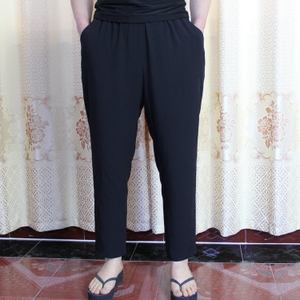 Kích thước lớn trung và cũ tuổi của phụ nữ quần bông lụa bông hậu cung quần quần màu đen rayon chín điểm chân quần mẹ quần