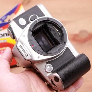Canon KISS 2 thế hệ bộ phim tự động máy phim SLR máy ảnh duy nhất cơ thể có thể được trang bị với ống kính để gửi pin D