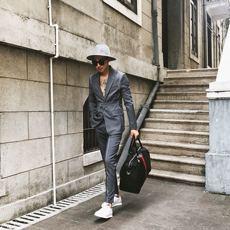 可见原创设计2018秋装新品时尚个性潮男明线定制修身西装套装