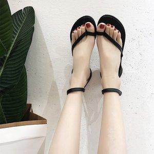 2018 mùa hè mới dép phong cách giày của phụ nữ toe xương cá giày phẳng đơn giản giản dị giày sinh viên mỏng giày đen triều phụ nữ