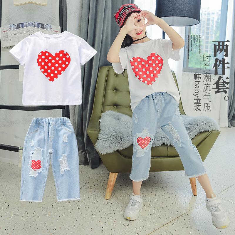 Cô gái phù hợp với Hàn Quốc mùa hè bông tình yêu áo T-Shirt trẻ em lớn lỗ denim cắt quần hai mảnh