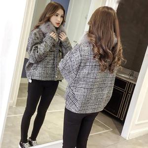2018 mùa xuân Hàn Quốc retro nhỏ tóc lớn cổ áo ngắn lamb lamb coat nữ sinh viên kẻ sọc áo len