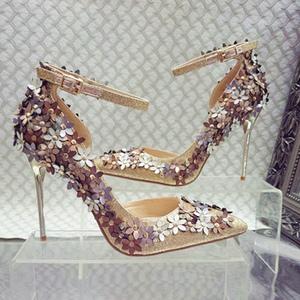 爆款2017春夏季新款亮皮立体小花朵宴会气质高跟鞋婚礼搭扣单鞋