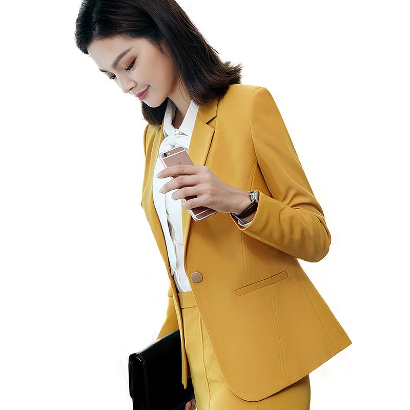 Phát thanh truyền hình máy chủ thử nghiệm nghệ thuật trên gương ăn mặc nữ host xuất hiện trang phục máy chủ ăn mặc nữ phù hợp với phù hợp với kinh doanh phù hợp với